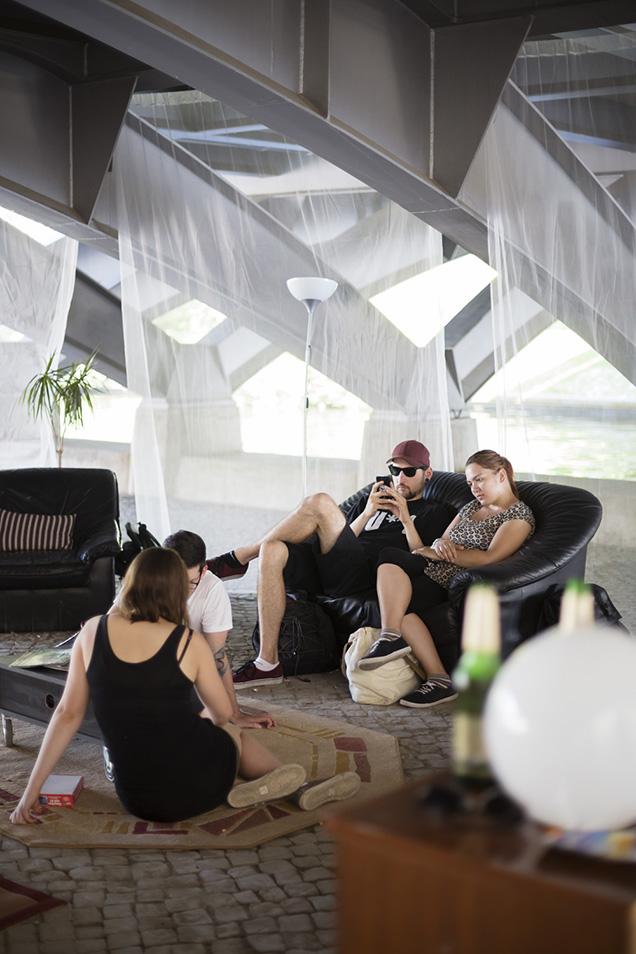 Wohnzimmergäste